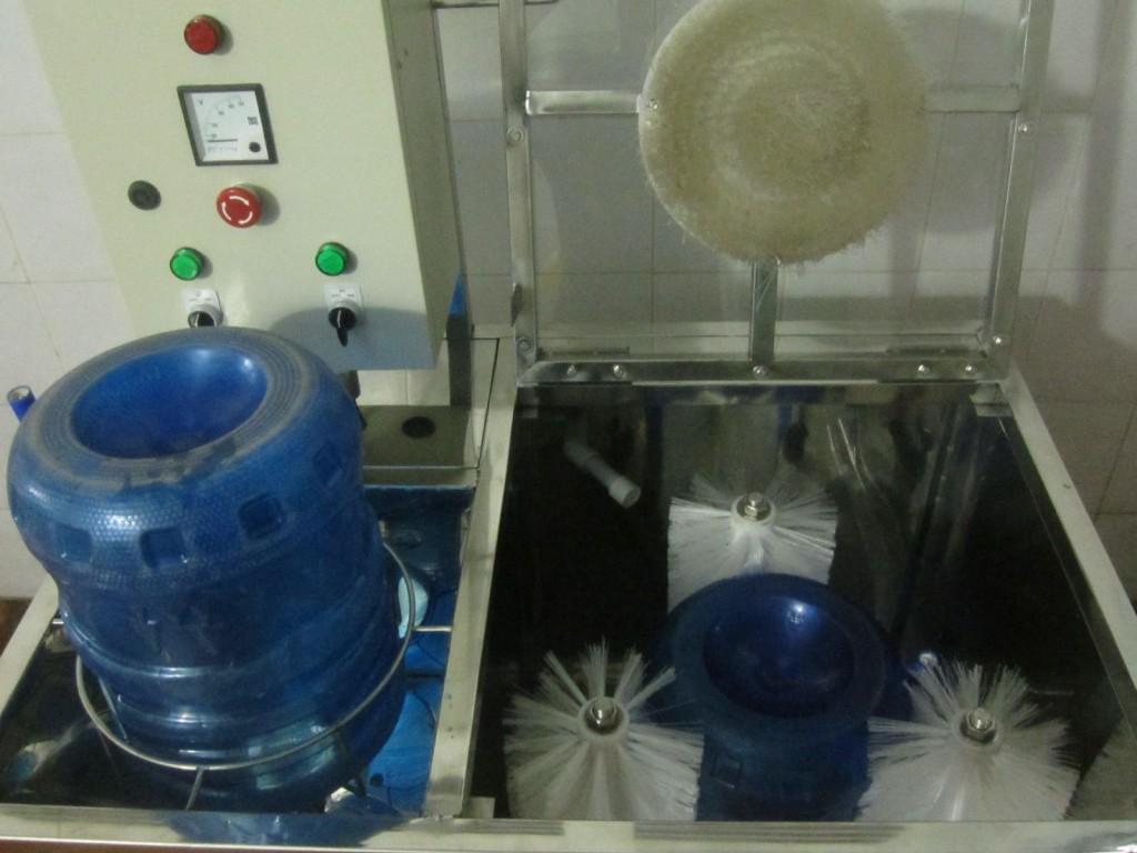 máy rửa bình 20lit