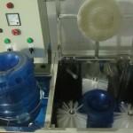 máy rửa bình 1