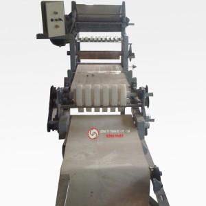 Máy cuộn sợi mì